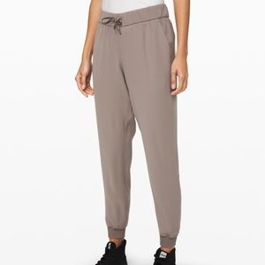 Lululemon On The Fly Joggers Woven